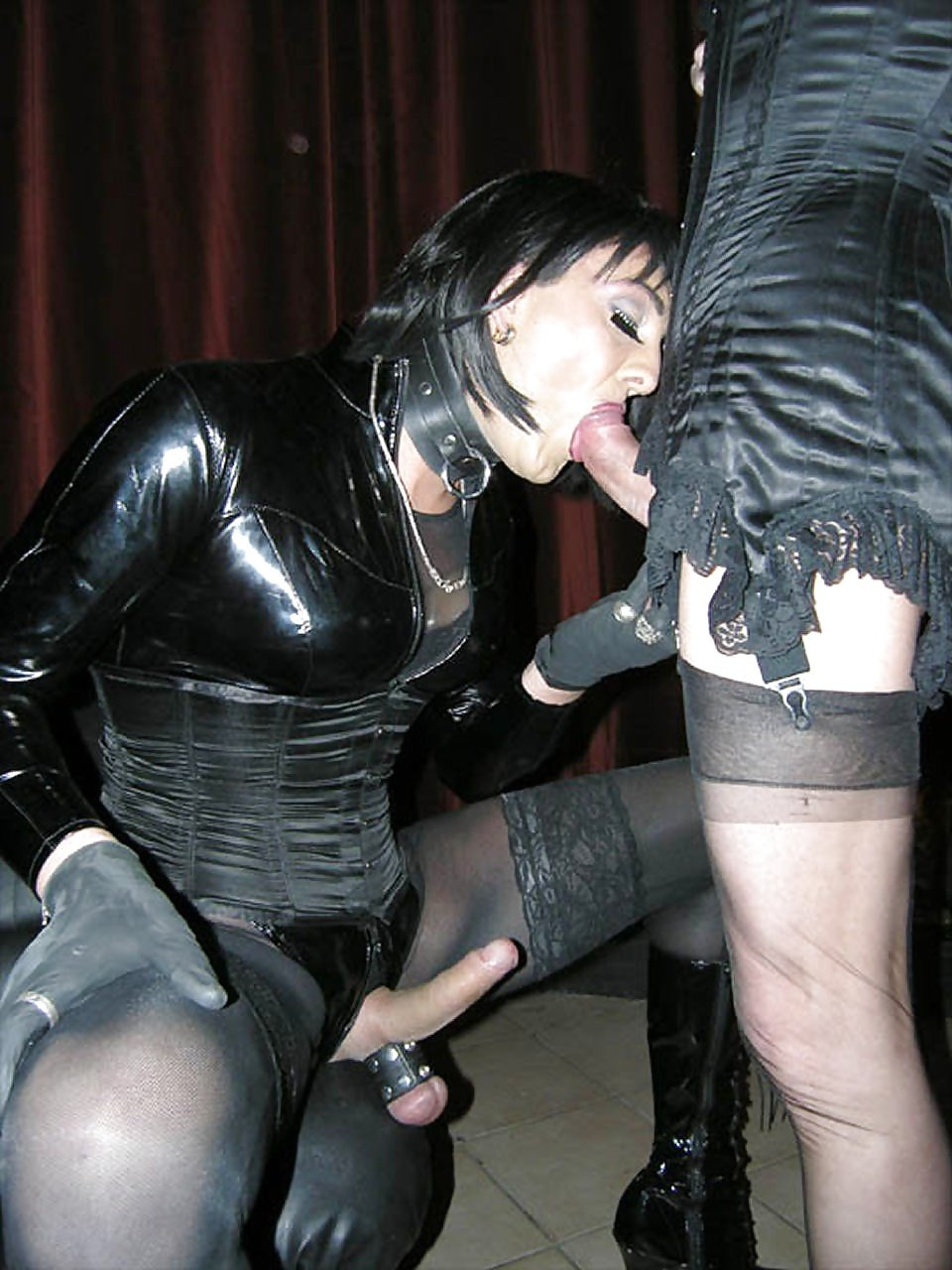 Cum fountain all over her leather gloves