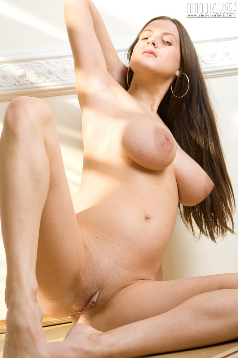 fresh-young-pussy-model