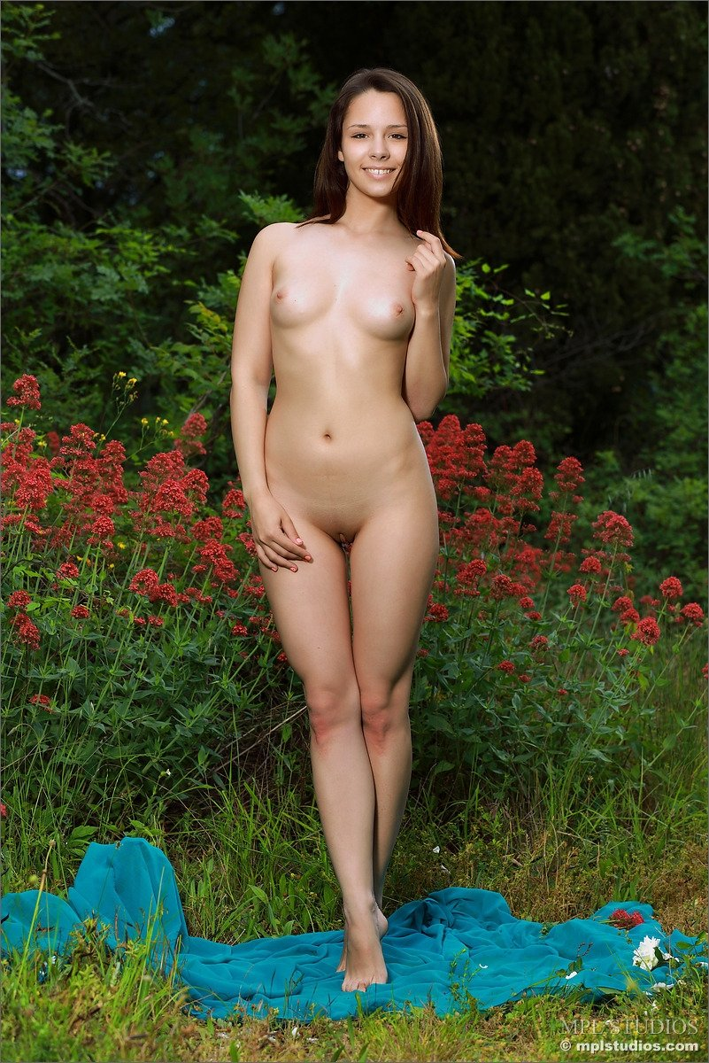 Free preview nudist