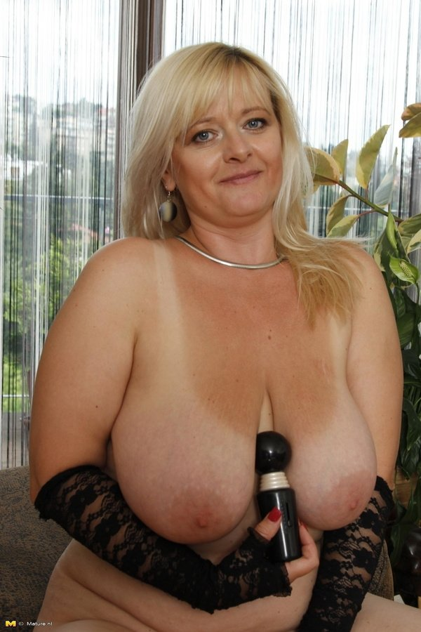 Hot girl showing tits at garden - www.JuicyGirlCams.com add photo