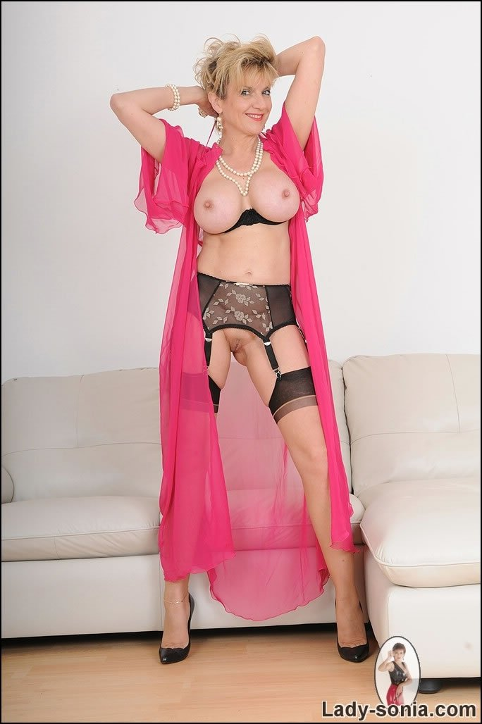 mature mistress chastity there
