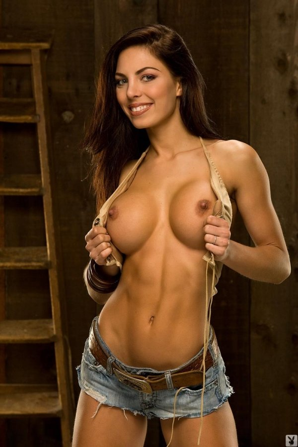 chicks-with-abs-topless-erica-durance-sperm