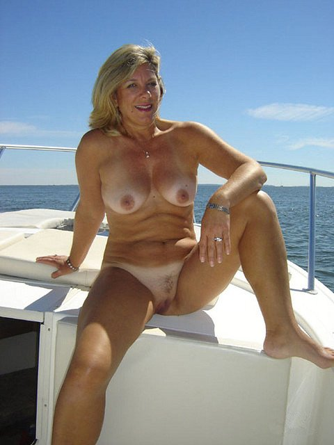 mature amateur nude tube there