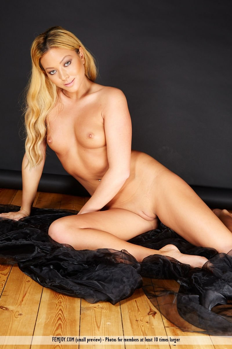 Wife bang for money famous arab porn star