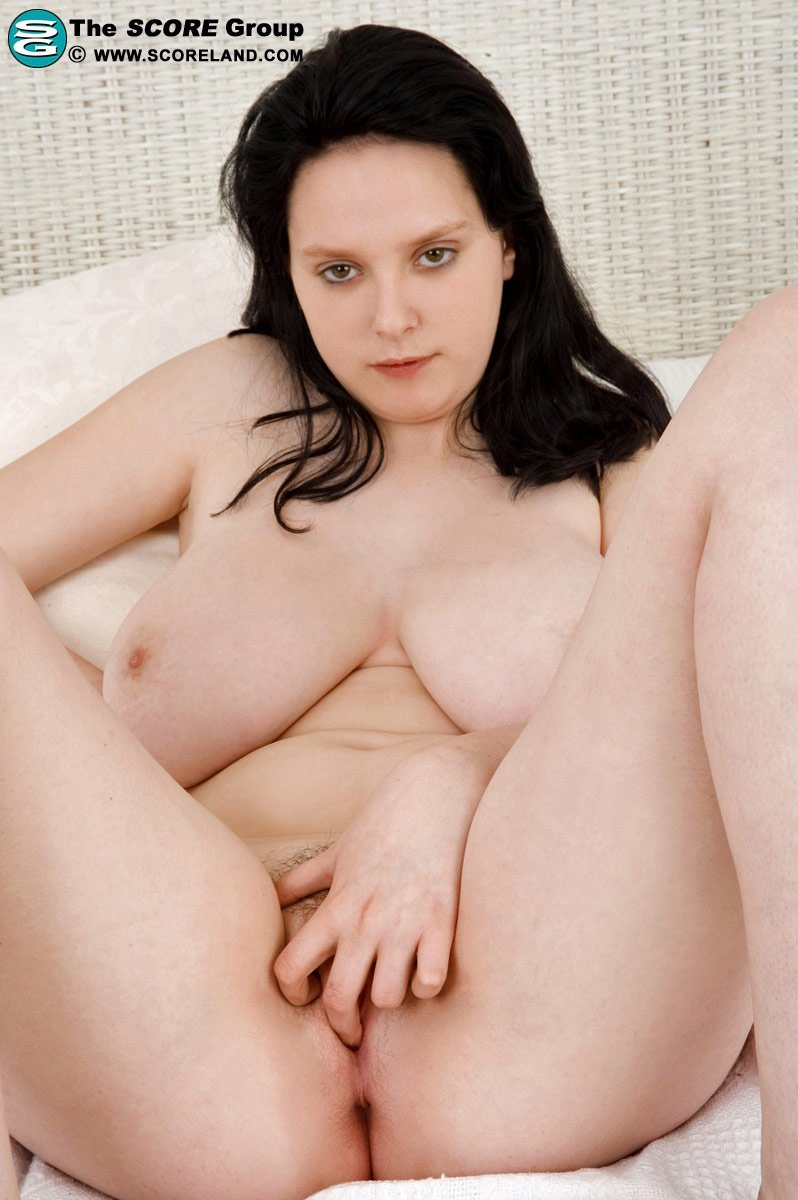 Body build girl nude Wife likes a threesome