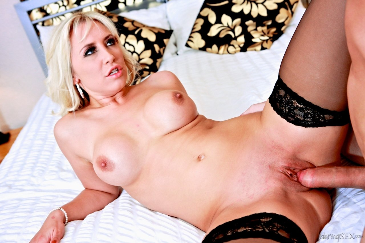 hot blond tube