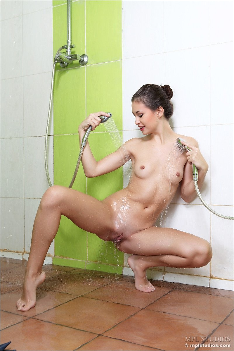 Amature cooking nude