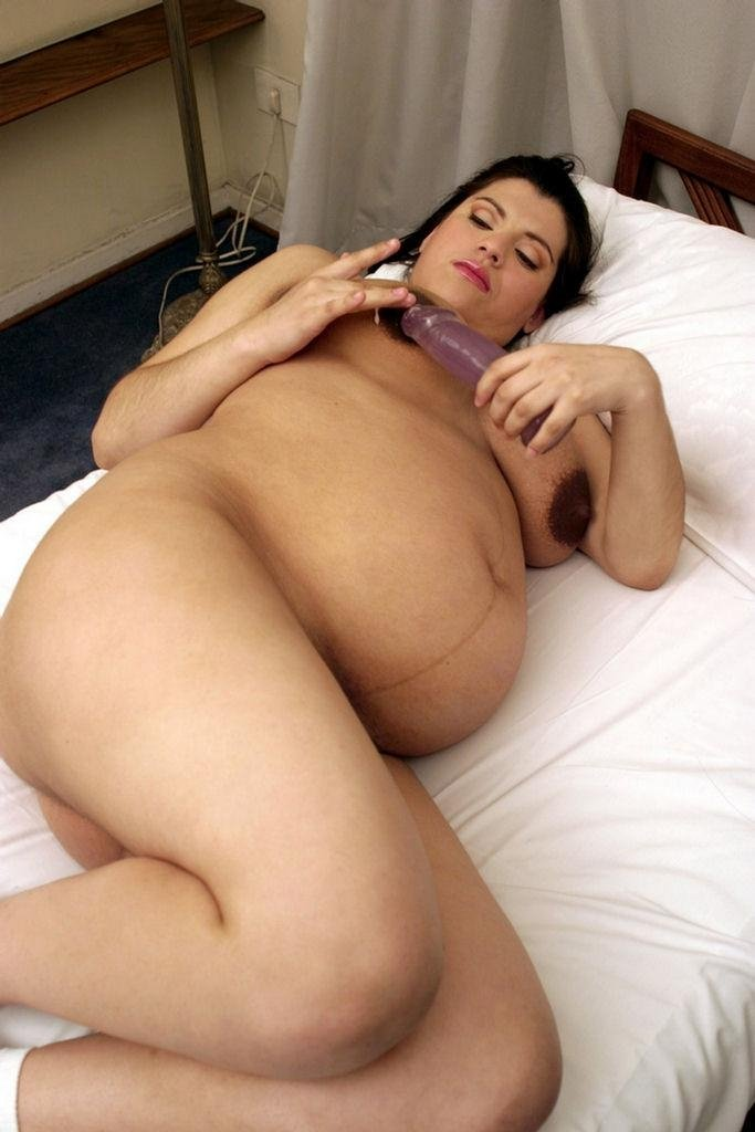 naked-pictures-of-pregnant-latina-women