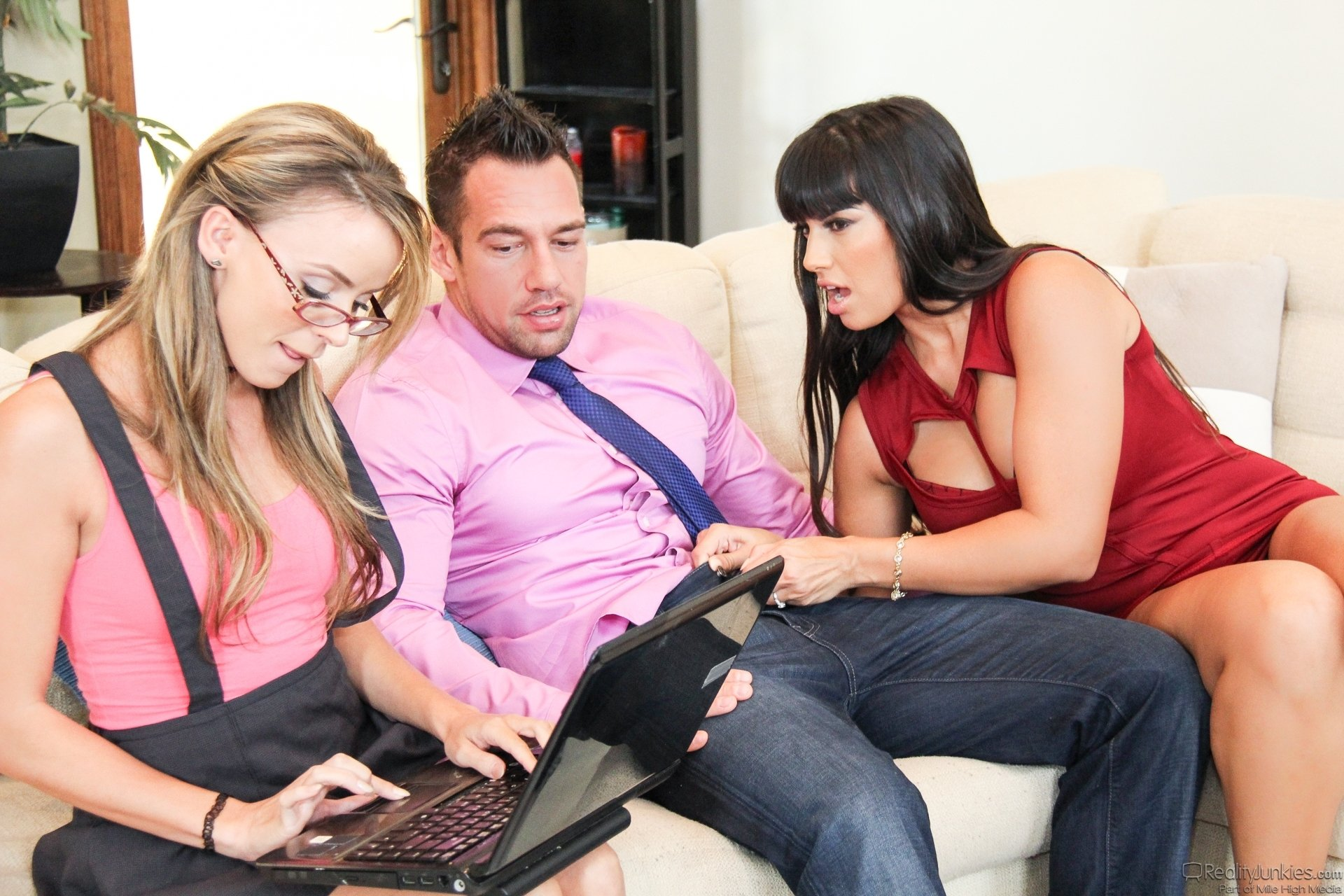 Webcam hd t threesome wife and her friend