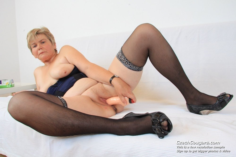 Mature wife clips String rue amateur