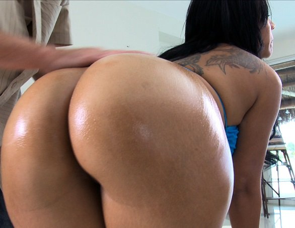 Biggest Ass in the World +18 - YouTube
