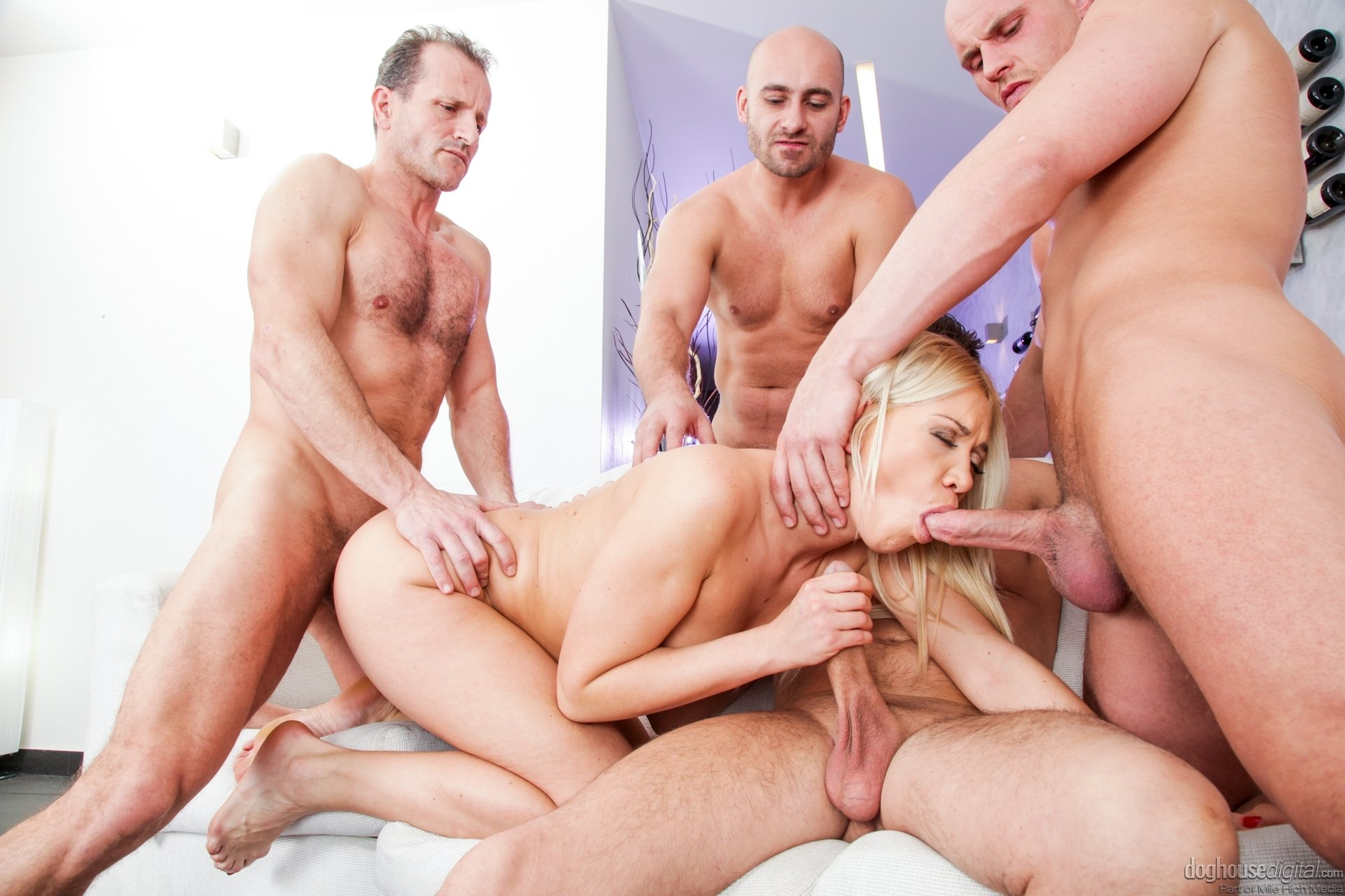 Dibei    reccomend passed out drunk anal sex