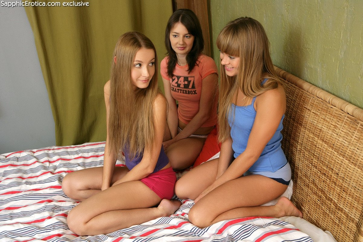 Tokus    reccomended lesbian japanese threesome