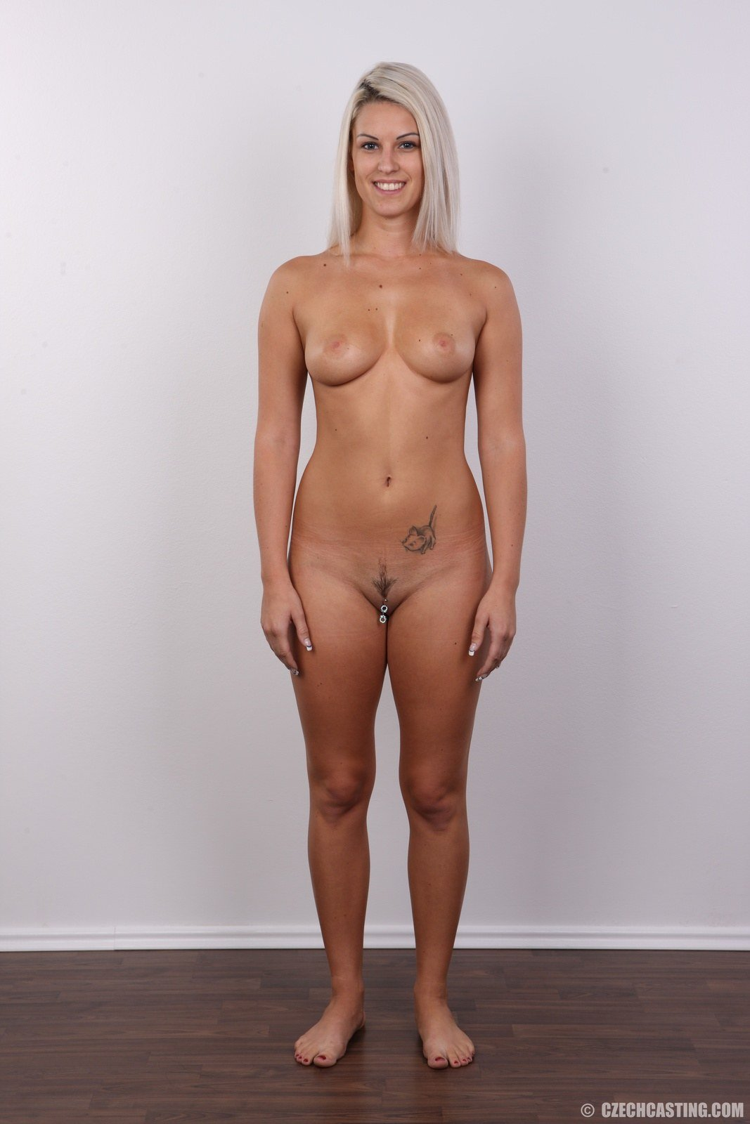 Javier reccomend Amatuer naked wife video