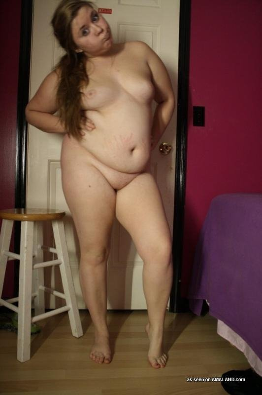 naked housewife pics
