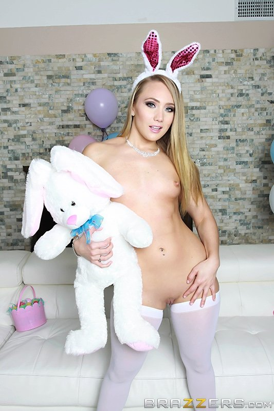Its Easter Time, And Aj Applegate Has A Very Special -4288