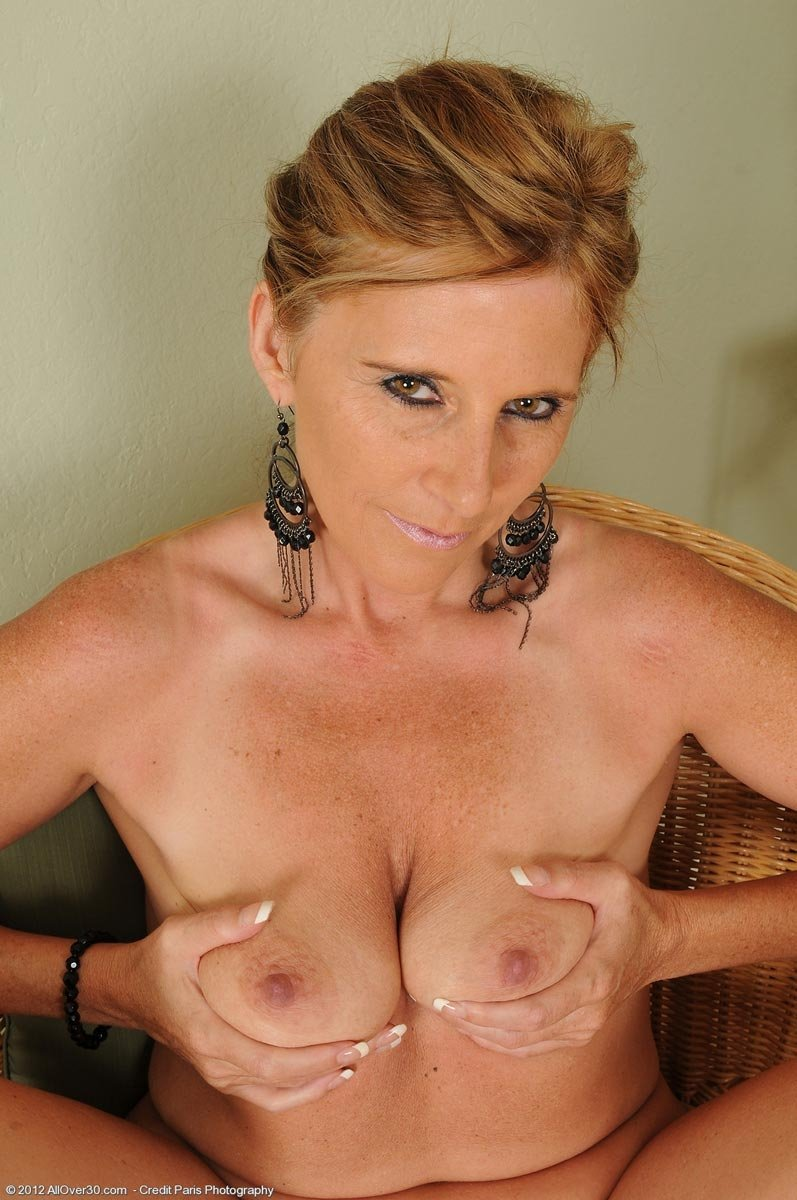 Mature women over 0 naked #10