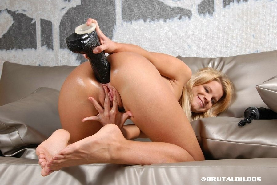 Adorable Youthful Jennifer Drilled Her Assfuck Pounding By Large Dildo 1