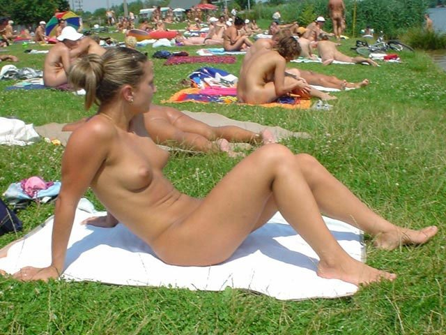 thick milf in stockings hot sexy nude beach