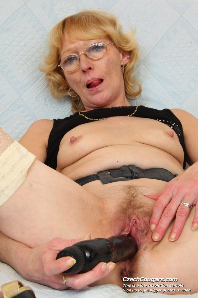 sleeping granny porn videos