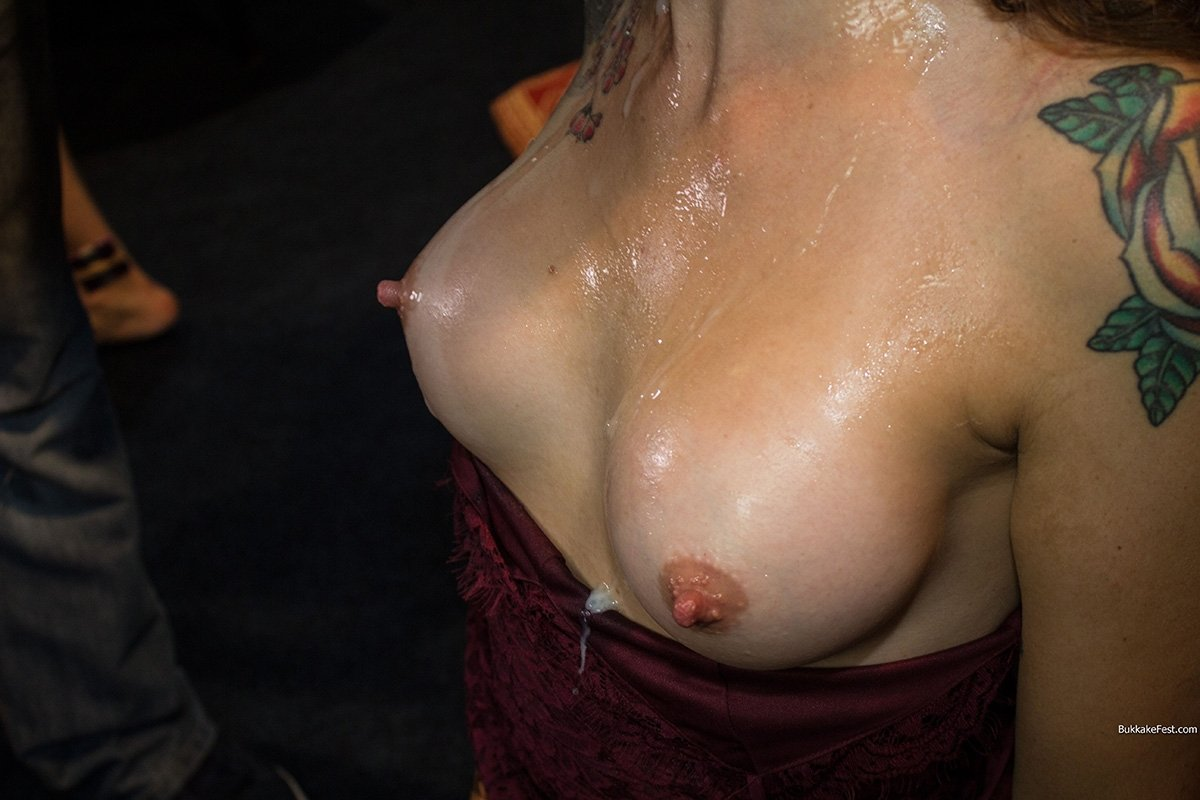 Named amateur housewives free naked pics