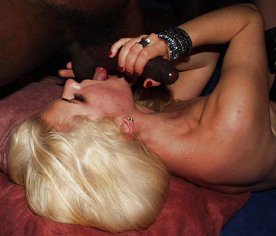 Milwaukee swinger club 8 year old natural tits