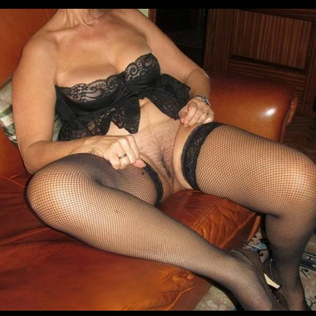 Tut    reccomended pretty naked mature ladies
