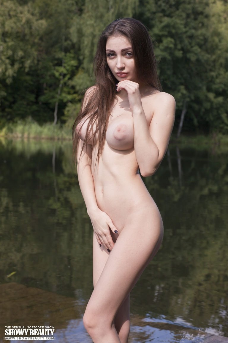 xxx babes pictures there