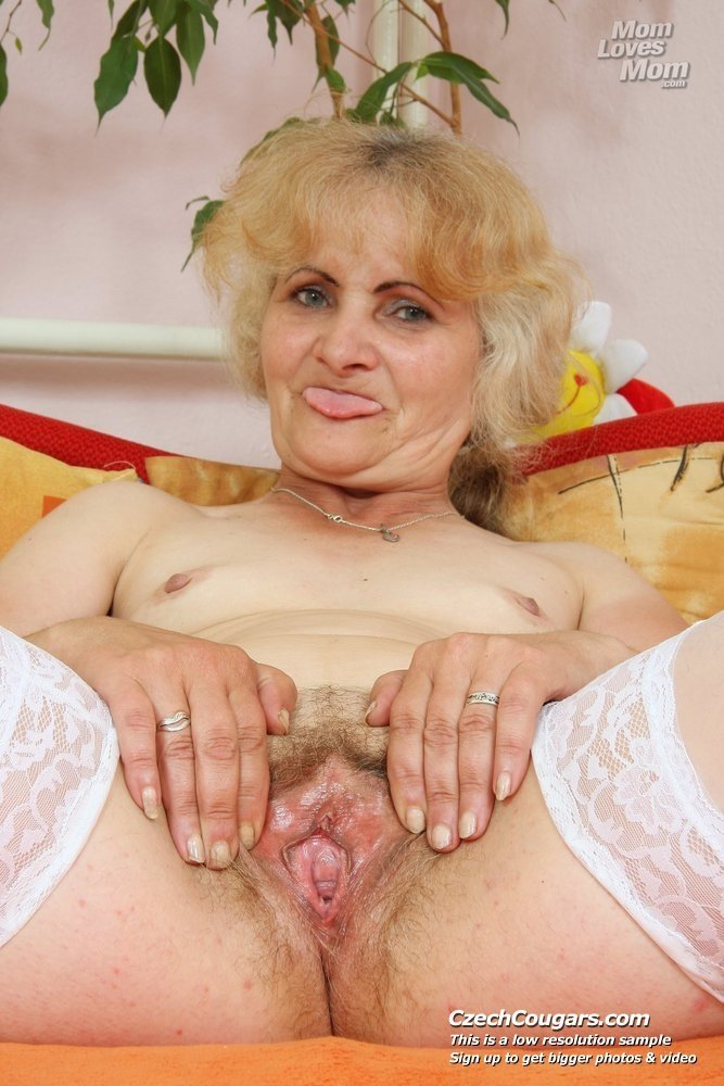 mature granny nude photos there
