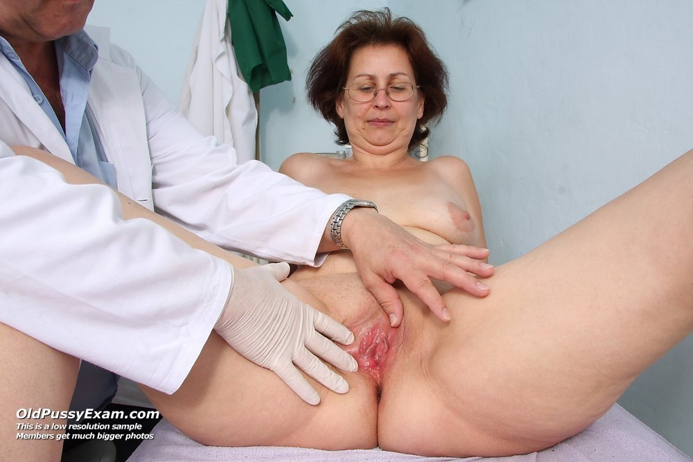 mature women in pantyhose having sex there