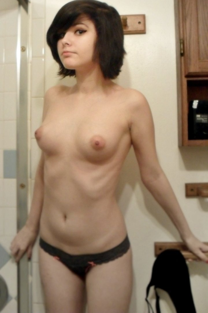 Kiss my wife pussy ameatur nude