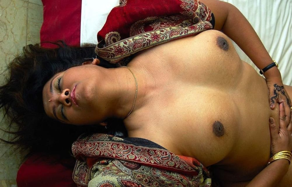 Indian desi couple very sexy mood