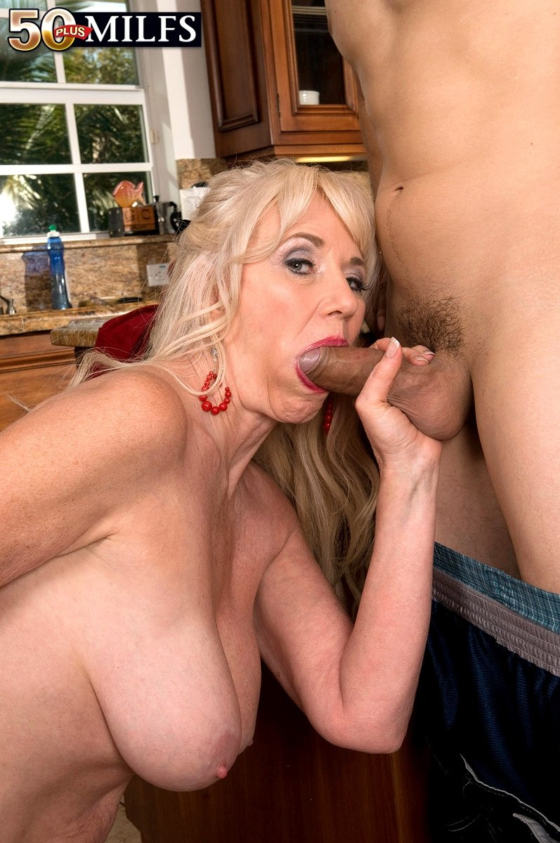 Young step mom cheating dad fucking with son x videos