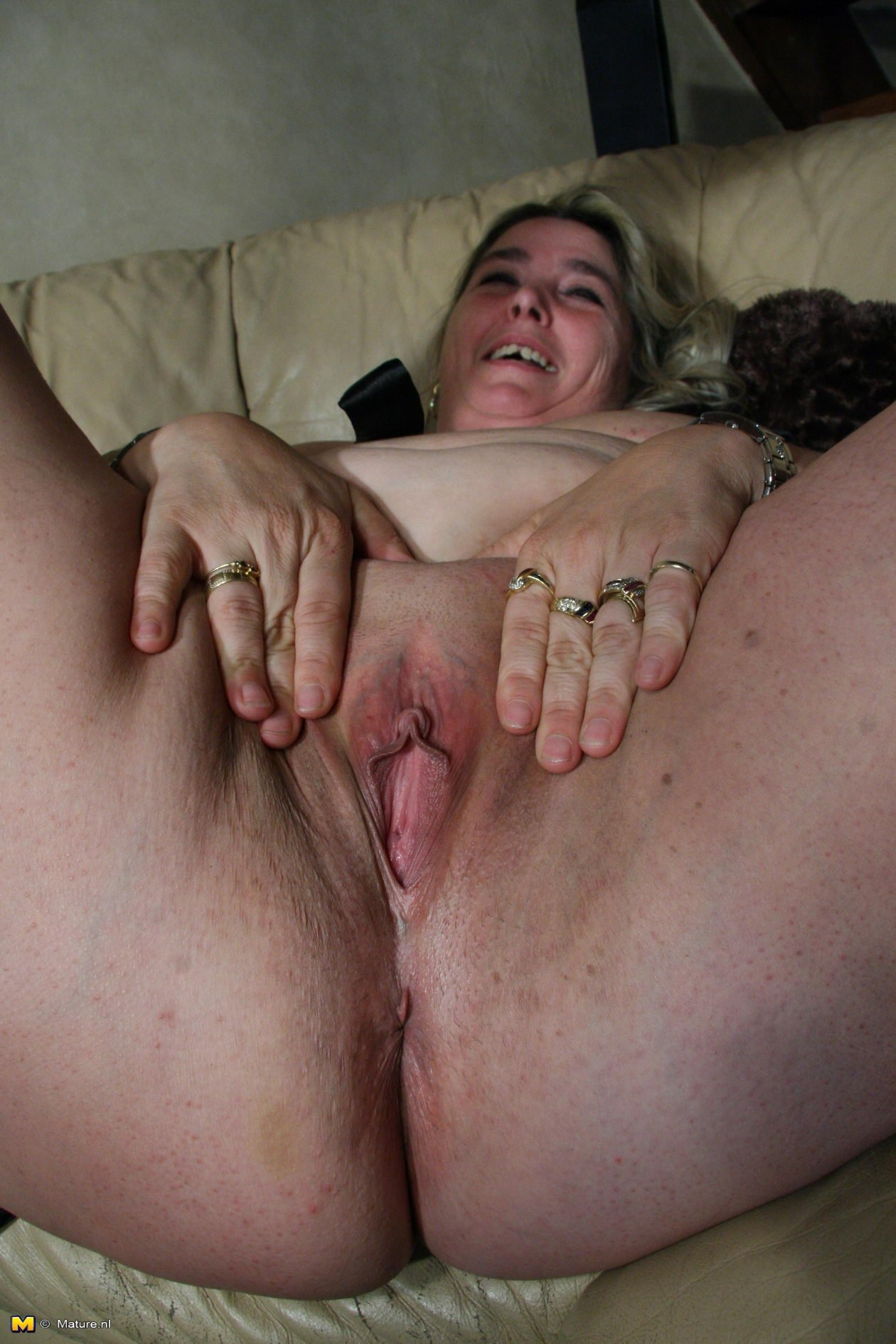 Amateur stripping wives