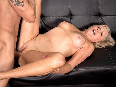Gror    reccomended blonde mature porn pictures