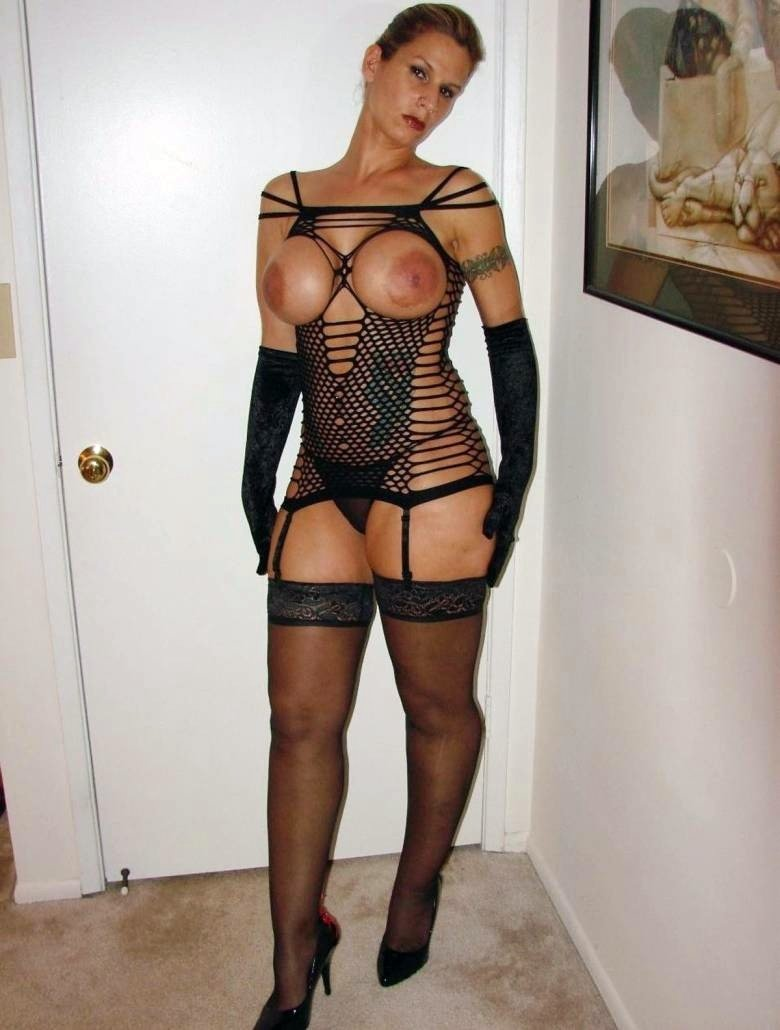 Amateur wife swapped for black