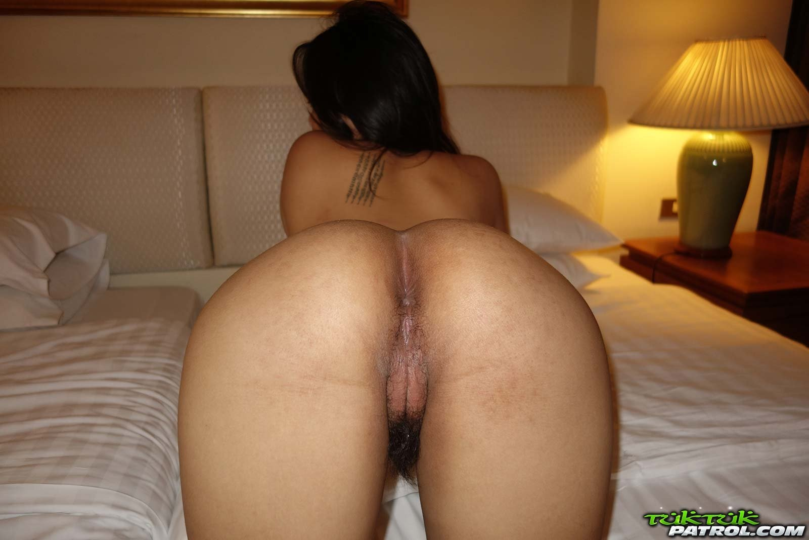 Sexy girl pooping in husbands mouth