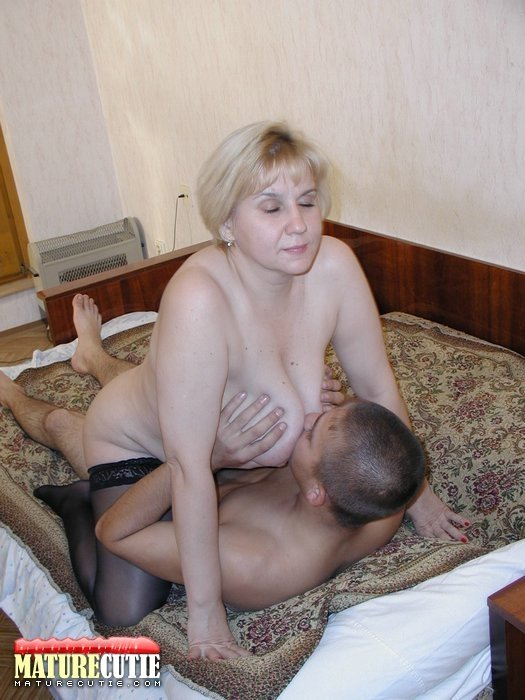 Amateur shy wife forced to go topless real lesbian mature
