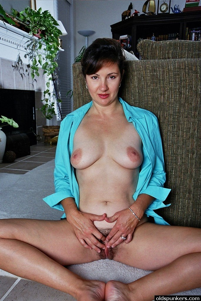 Latina campus7 Italian mom seduce son