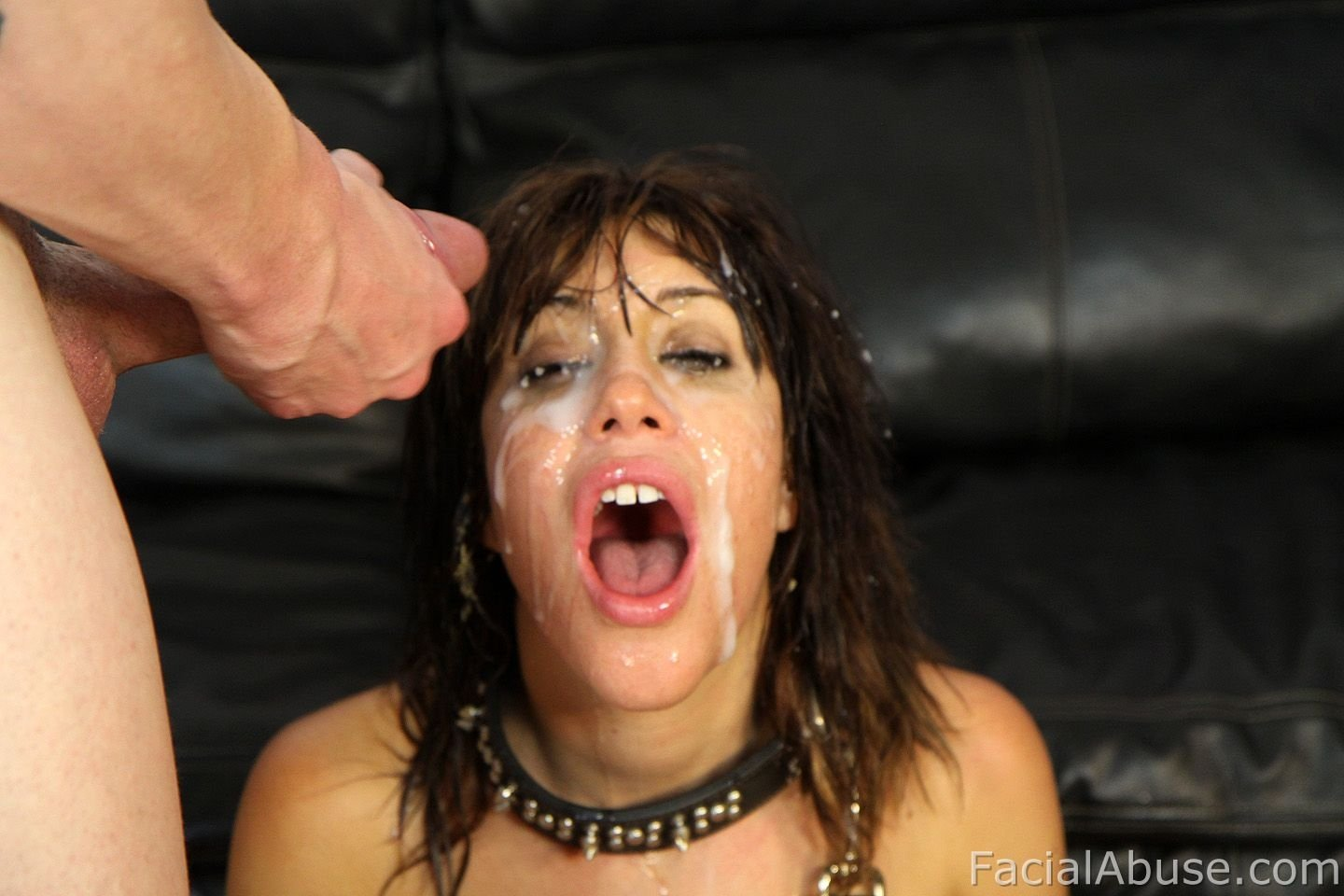 Karan    reccomended Milf Pussy Swallows OMBLIVE Vibe That You Can Control Even Faster