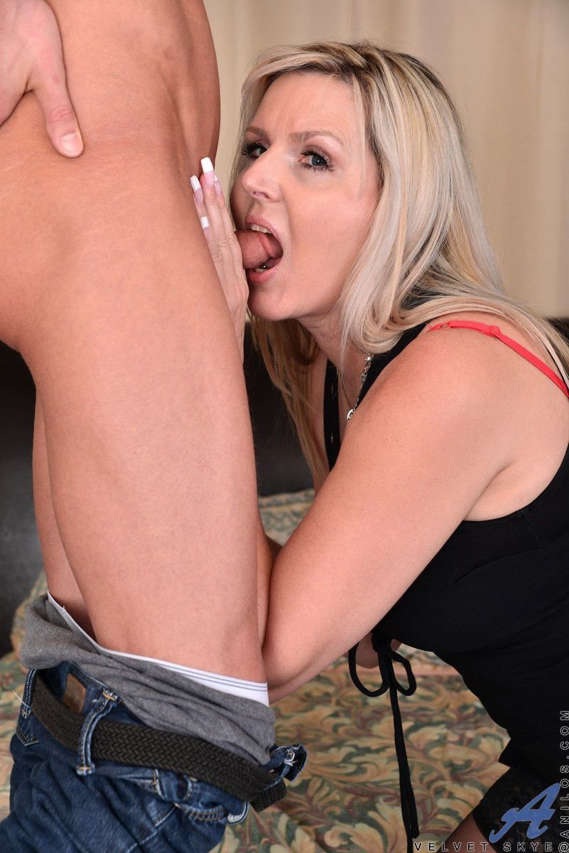 mature sloppy blow jobs
