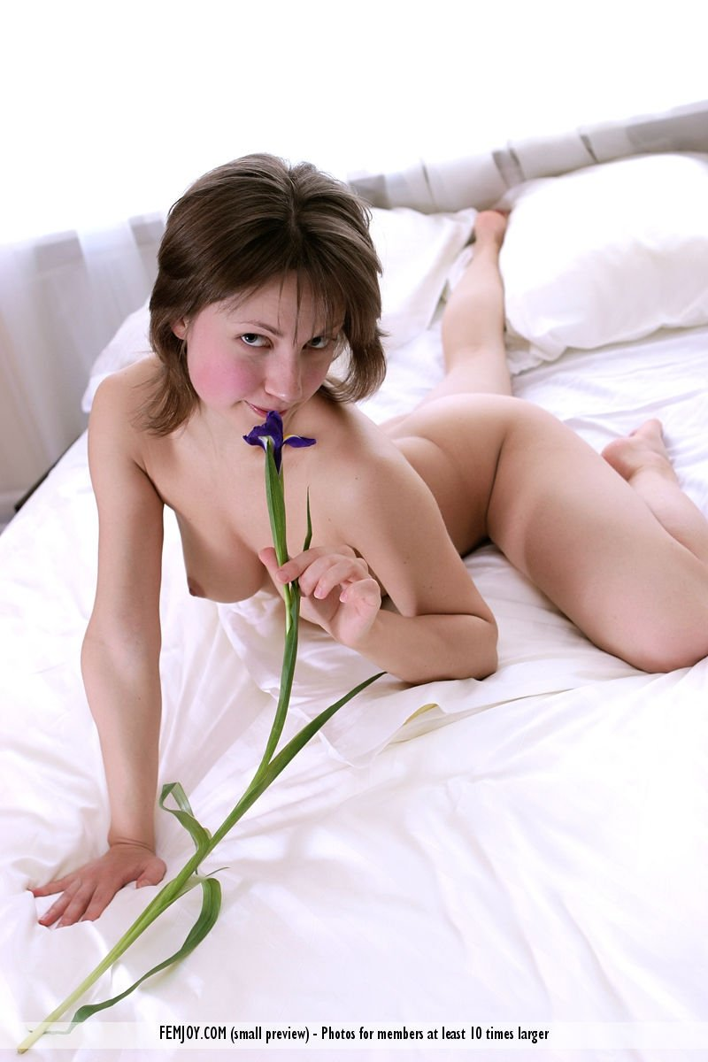Son creampies mom on his birthday Amateur submission websites