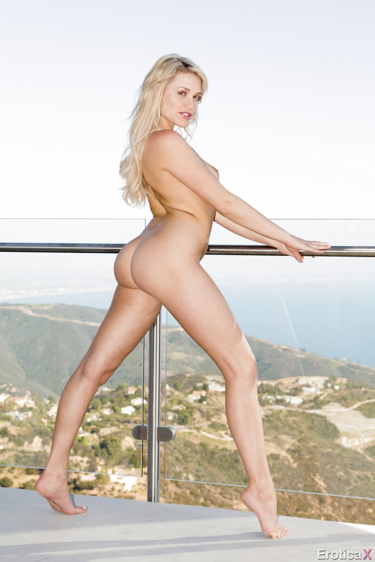 the sexiest blonde