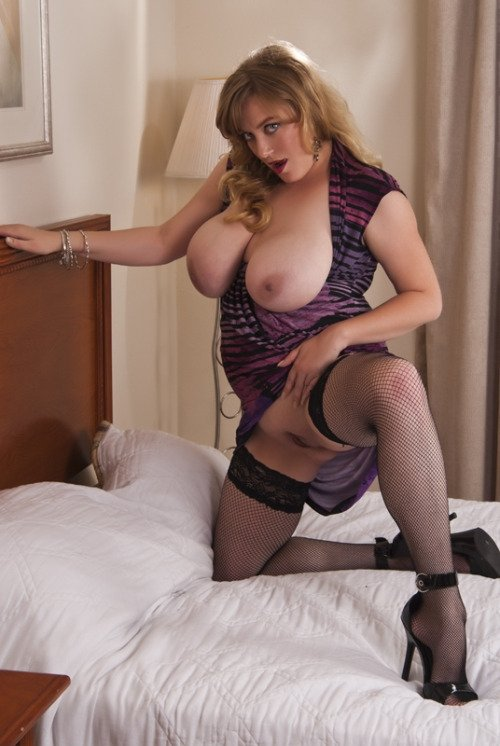 Busty milf porn pictures #1