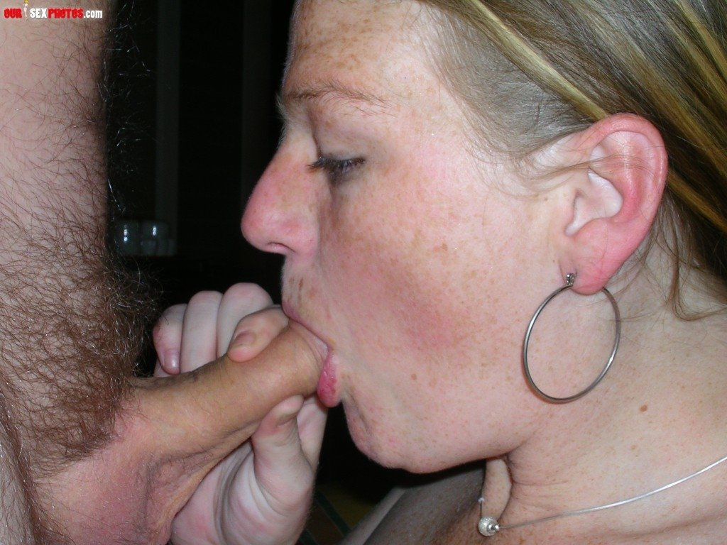 Dont say boy please mom That wicked brunette hair has managed to organize an impressive footjob