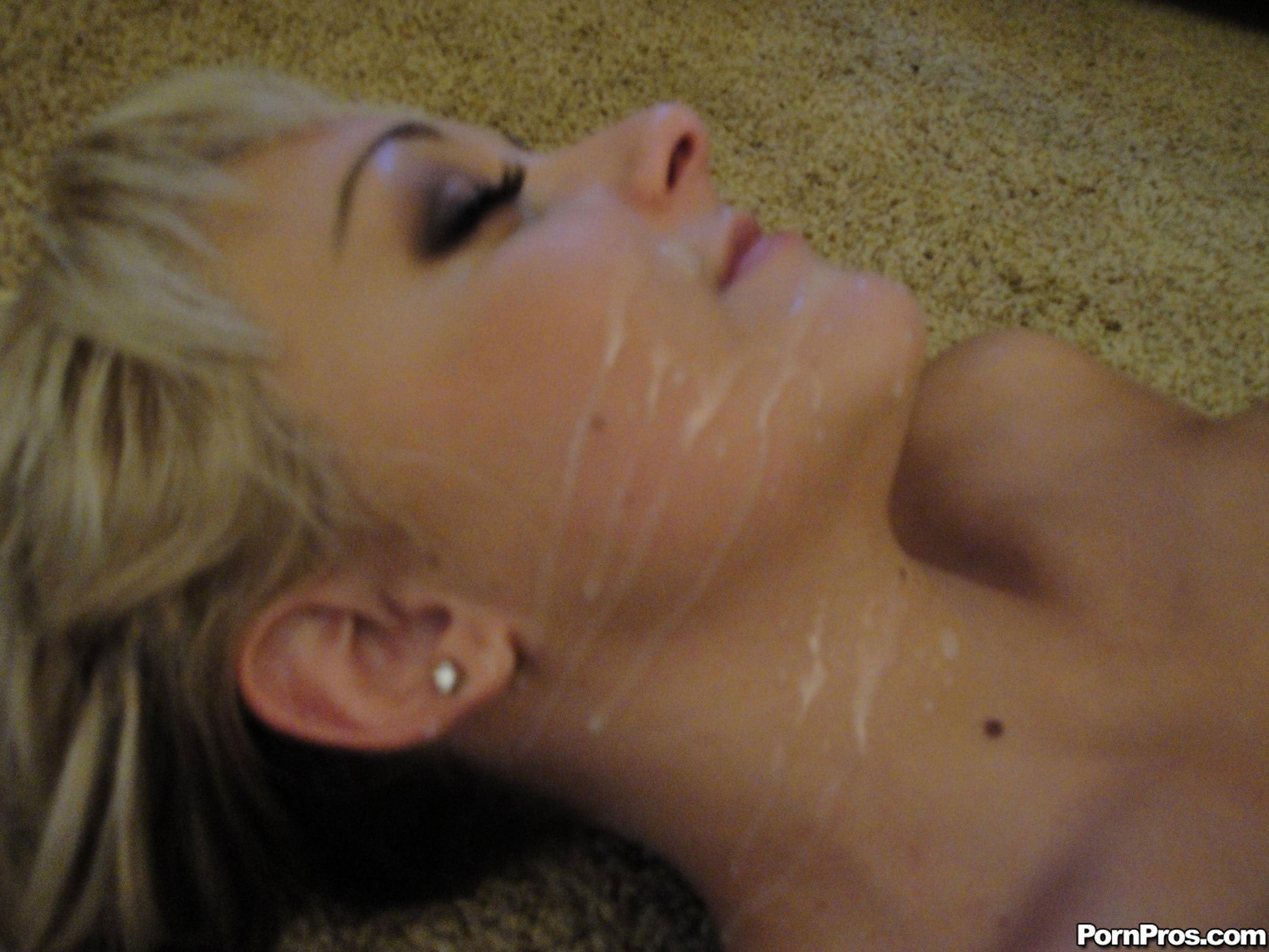 Fake hidden cam squirt
