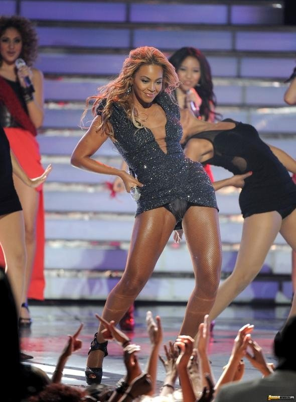 Upskirt beyonce pictures