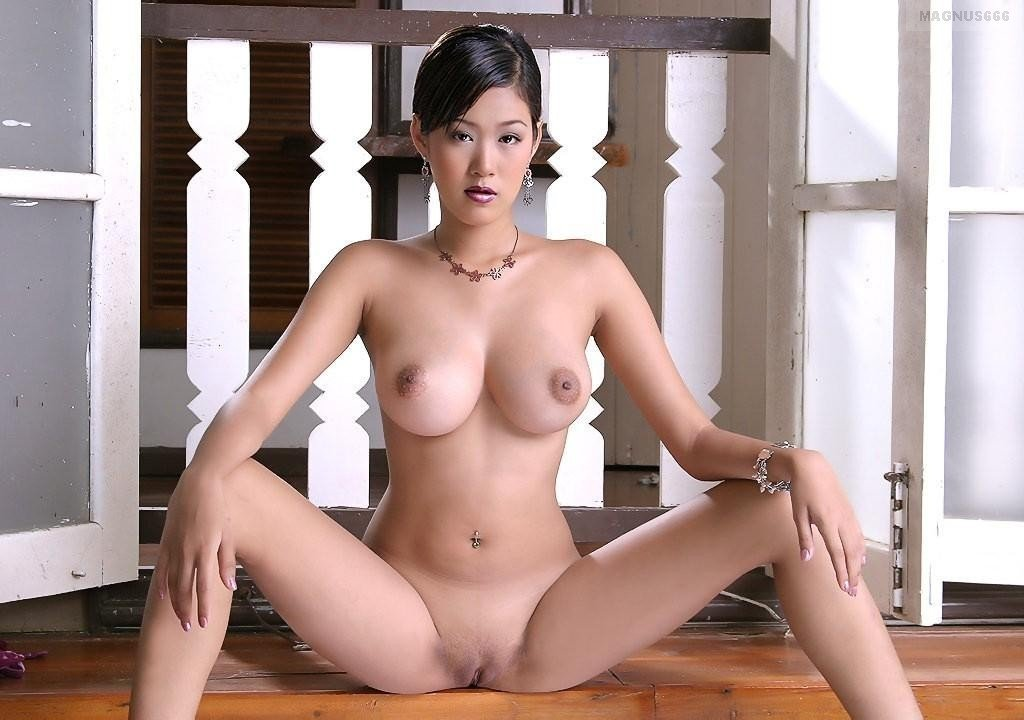 Teen with big tits naked