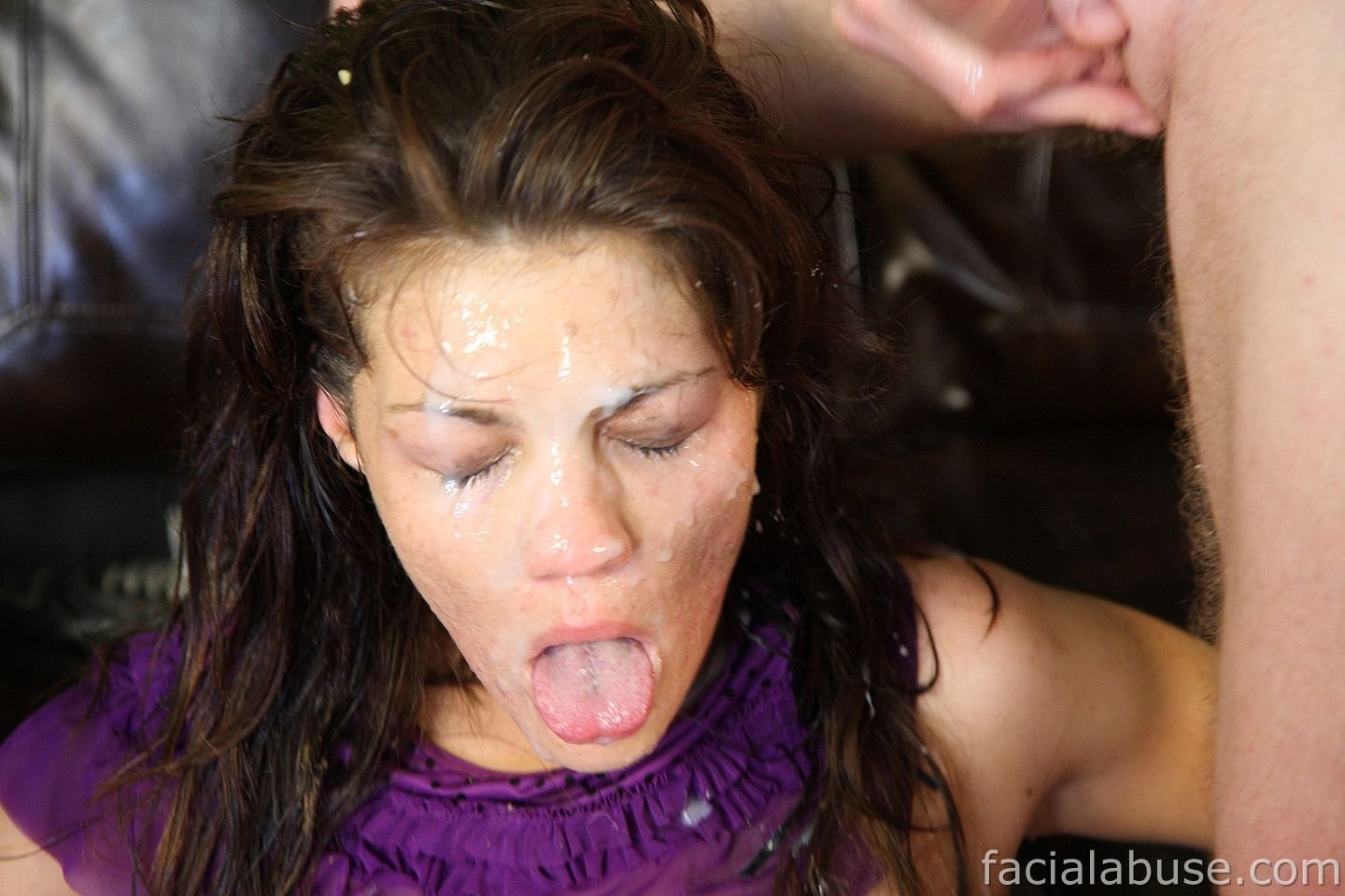 gloryhole accidental creampie