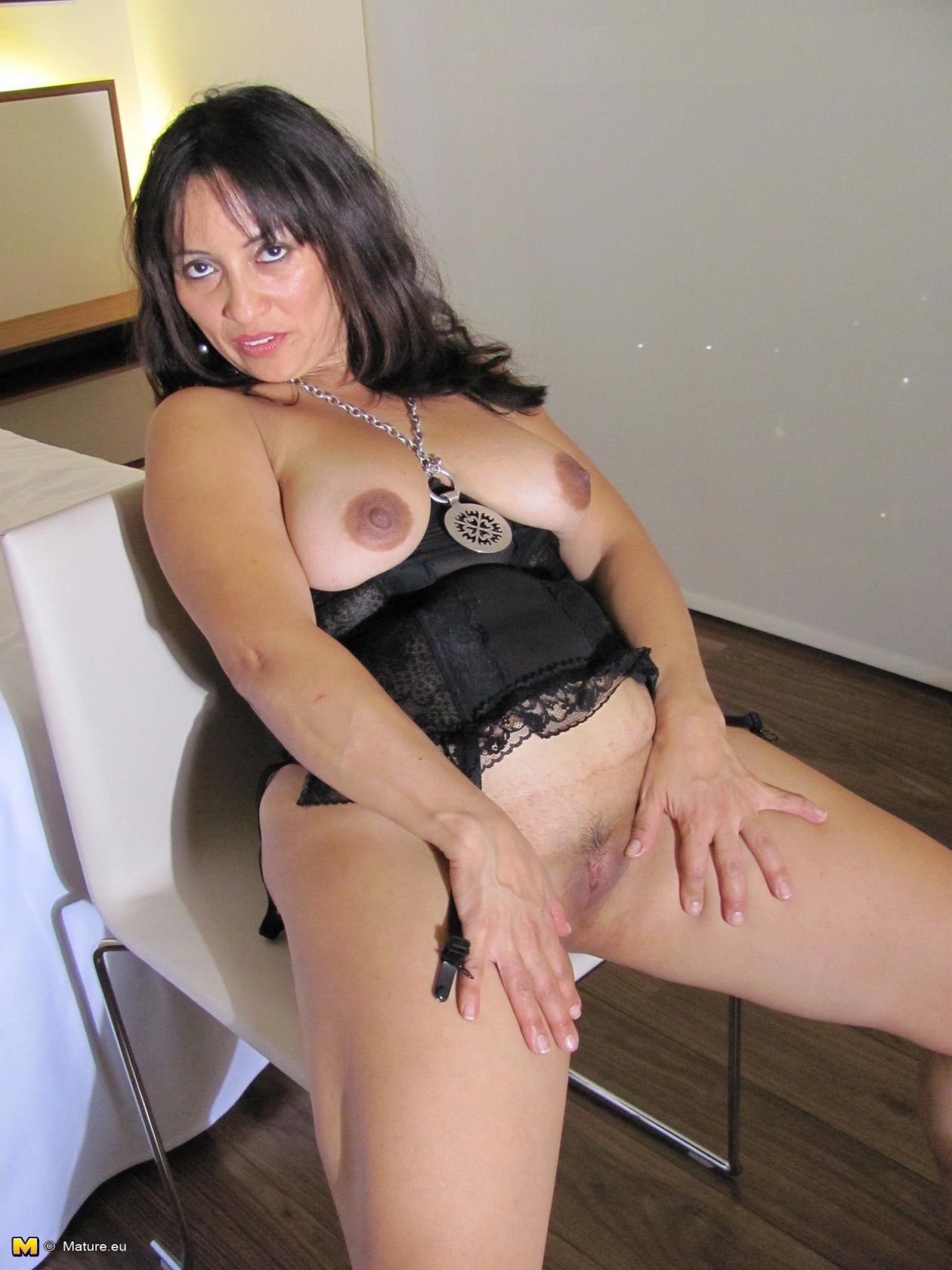 naked asian milf pictures